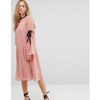 Vero Moda tie sleeve midi skater dress in pink - Pink