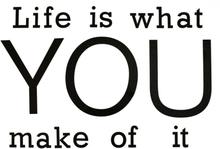 Life is what you make of it. Wallsticker från Modern House. Mått 1 x 48 x 68,5 cm. Levereras i rulle.