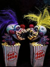 1 PC Halloween Handcrafted Art Clown Perfect Collection Dekorationen Terror Home Kreative Anime-Figuren Spielzeug