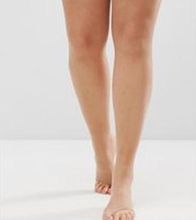 ASOS DESIGN - Curve - Beige tights med sandaltå öppning i 8 denier - Beige
