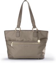 Rymlig väska från L. Credi beige da591bf4cb958
