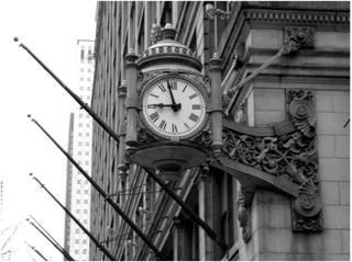 Fototapet - En snygg, klassisk klocka - 200x154 cm