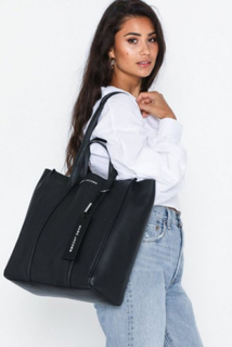 The Marc Jacobs The Tag Tote 31