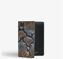 Passport Cover Python/Cobra