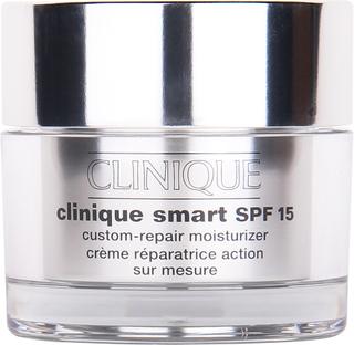Köp Clinique Smart SPF15, Custom-Repair Moisturizer, Very Dry to Dry, 50 ml Clinique Dagkräm fraktfritt