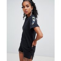 Ragyard - Boyfriend-t-shirt med asymmetrisk pärldetalj - Svart