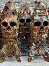 1 STÜCK Halloween Schädel Bombe Harz Ornament Kleiner Atomsprengkopf für Yard Garden Home Desktop Decor