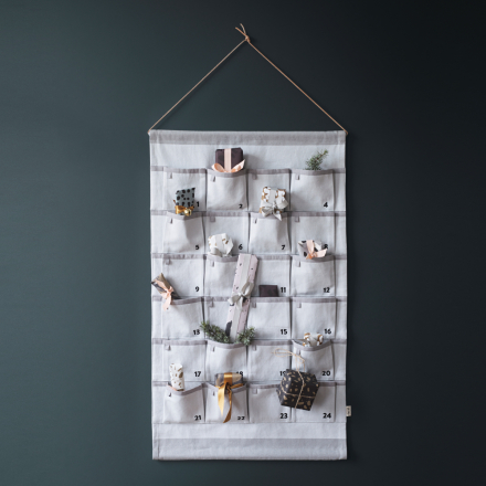 Grey joulukalenteri harmaa