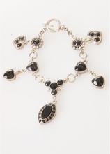 Zwart/ zilverkleurige hartjes-bedel armband