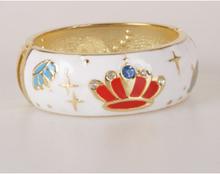Witte goldtone geëmailleerde scharnier armband
