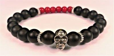 Pärlarmband svart röd skalle