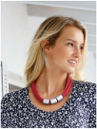 Halsband från Peter Hahn röd