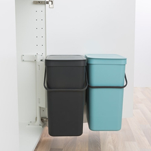 Brabantia affaldsspand - Sort & Go - Grå og Mint