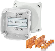 Cable junction box with compact connection terminal