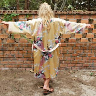 Kimono Morgonrock - Påfågel Persika
