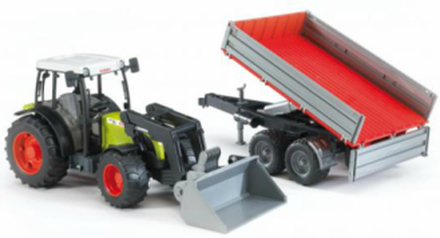 Claas Nectis 267F with Trailer