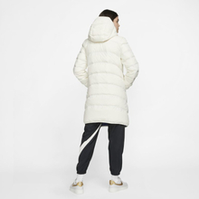 Nike Sportswear Windrunner Women's Reversible Down Fill Jacket - White