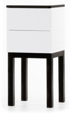 Österlen sängbord (H75 cm) med 2 lådor - vit / svart