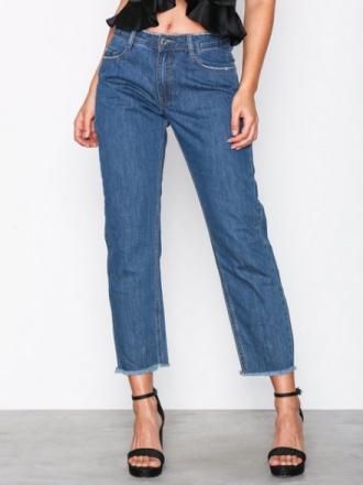 Missguided Mid Rise Clean Cut Hem Jeans Blue