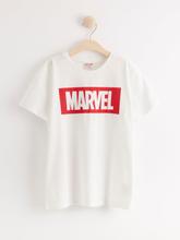 Lyhythihainen t-paita, jossa Marvel-painatus