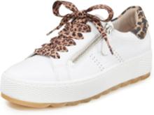 Platåsneakers kalvnappa från Gabor Comfort vit
