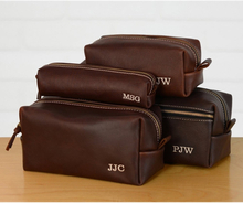 Personalized Leather Dopp Groomsmen Gift bag Monogram Leather Mens Toiletry Bag Leather Travel Bag Gift for Husband Dad Grad