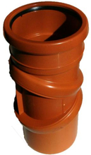 Jotiflex trinnløs/dreibar rørbend med en muffe rød 110 mm.