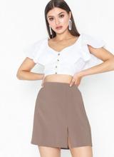 NLY Trend Short Slit Skirt