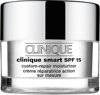 Kjøp Clinique Smart, SPF15 Custom-Repair Moisturizer - Skin Type 2 30 ml Clinique Dagkrem Fri frakt