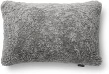 Curly kuddfodral fårskinn - Grå