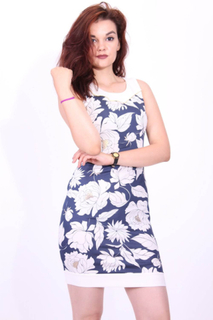 Snygg klänning - blommiga klänning