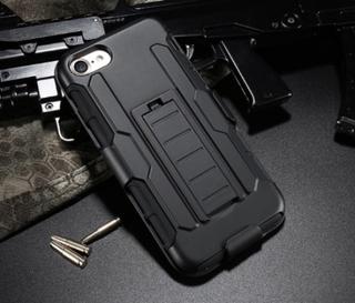 Praktiskt Military Armor Hybrid 3 in 1 skal till iPhone 7