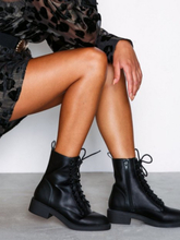 NLY Shoes Lace Up Flat Boot