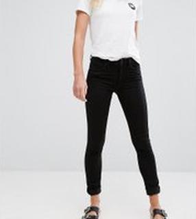 Monki – Mocki – Svarta slim jeans med mellanhög midja och ekologisk bomull