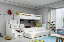 Max 3 familiekøyeseng inkludert madrasser!