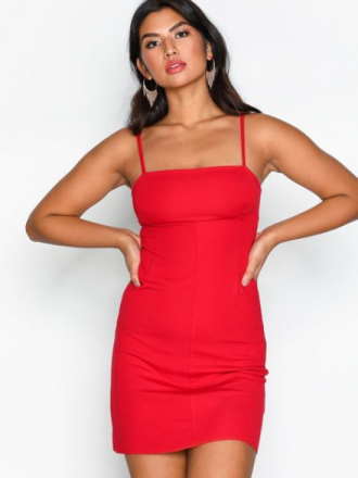NLY Trend Perfect Strap Dress Fodralklänningar Röd