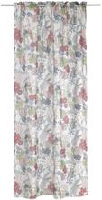 Blommigt gardinset med två kanallängder. Mått 2 x 130 x 240 cm. Material 100% polyester.
