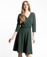 Stickad Klänning I Omlottmodell - Nadja Green