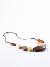 Halsband träpärlor från Peter Hahn beige