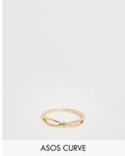 ASOS DESIGN Curve - Guldfärgad tumring i korslagd snurrad design med knut - Guld