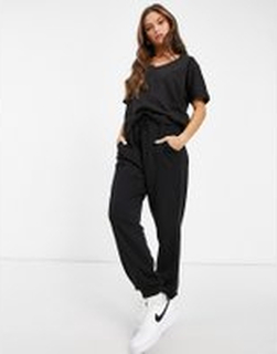 Missguided - Svart set med t-shirt och joggingbyxor