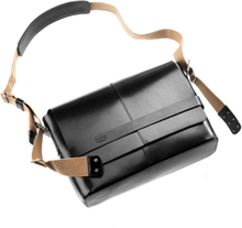 Brooks Barbican Shoulder Bag Leather black 2019 Axelremsväskor