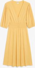 Shirred V-neck dress - Yellow