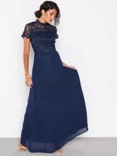 35d81e88af84 Chi Chi London Charissa Dress Maxiklänningar