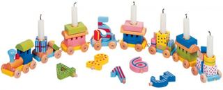 Födelsedagståg med presentvagnar