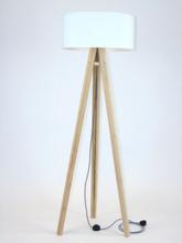 WANDA Eschenholz Stehlampe 45x140cm - Weiß Lampenschirm / Zick-zack