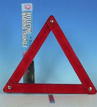 Varoituskolmio autoon