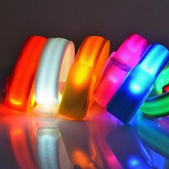 LED Armbånd - Hvitt skinn
