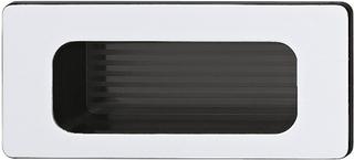 Rektangulær sølvfarvet skålegreb, indvendigt sort i kunststof