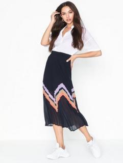 Yasmilda Pleated Skirt